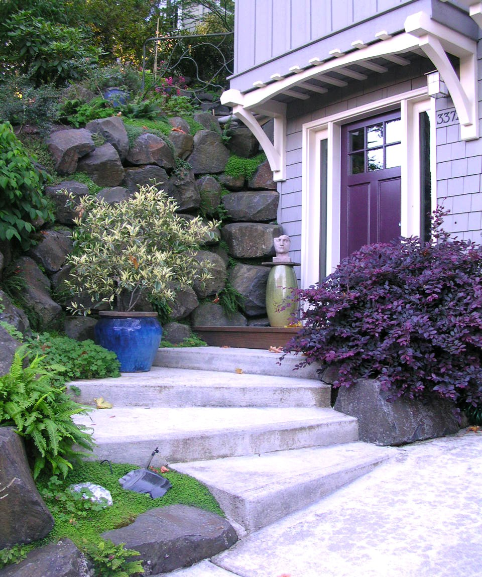 Home and gardening landscape design in a day portland for Front lawn garden design