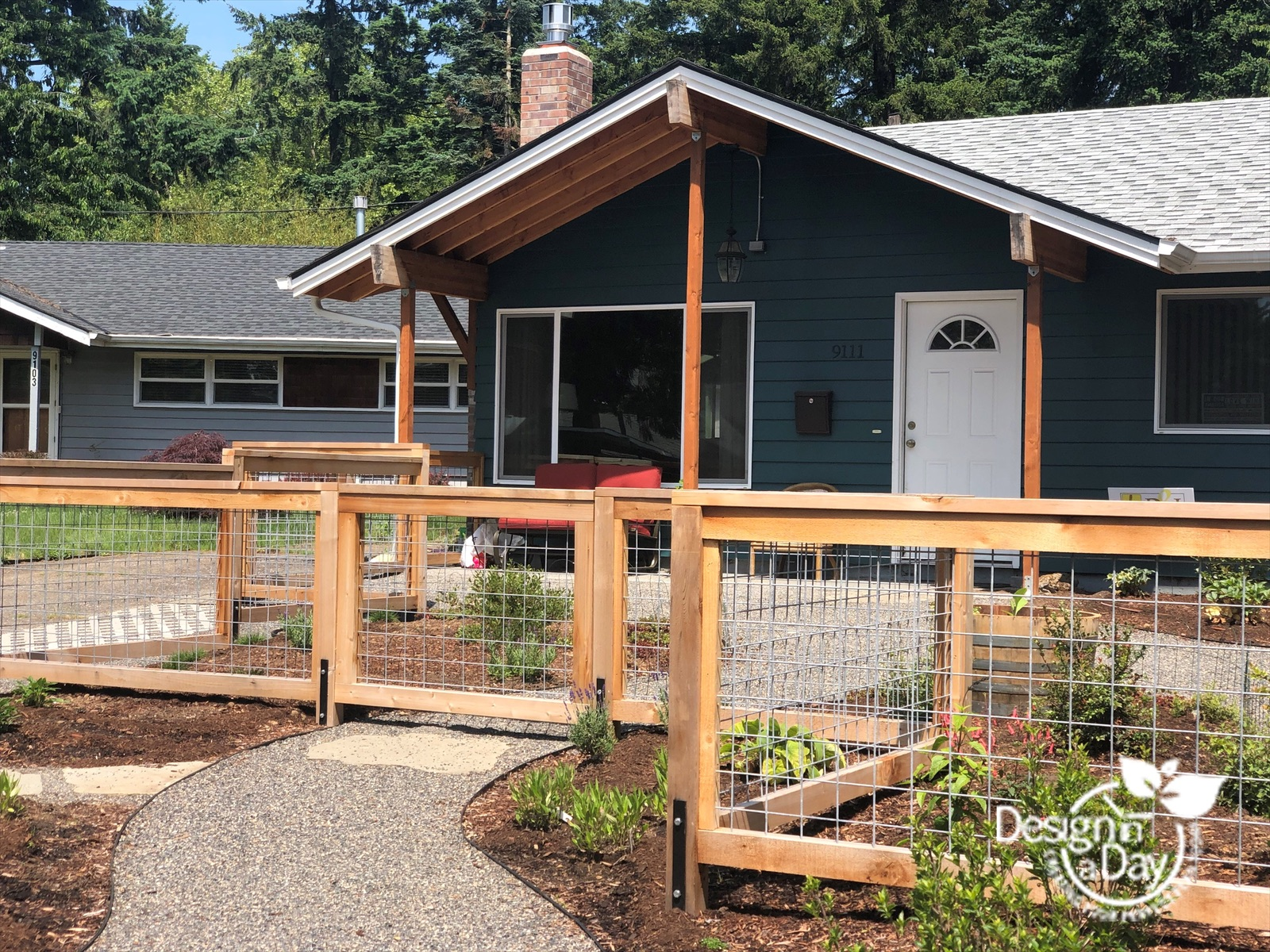 Portland front yard uses cedar fencing with metal panels, often called Cattle Panel or Hog wire Fence