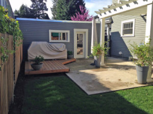 Jen's tiny backyard with an arbor didn't allow much room for anything and was not a modern design.